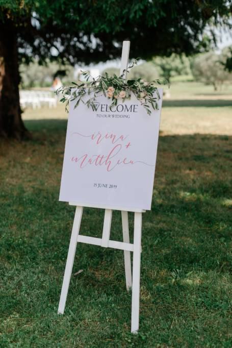 Panneau de Bienvenue pour mariage avec son rameau de fleur