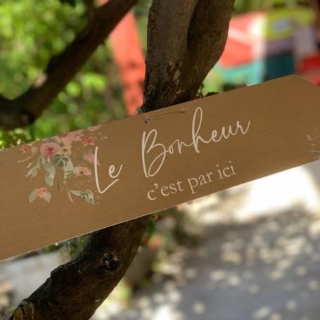 flèche en bois personnalisée pour guidage mariage
