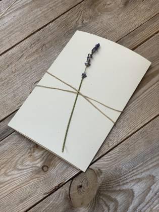 papeterie création pour mariage, baptême, anniversaires, communion personnalisé avec un rameau de lavande