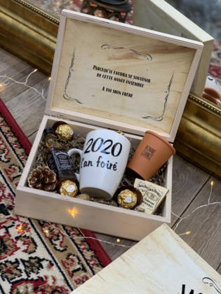 coffret cadeau en box en bois et ses cadeaux